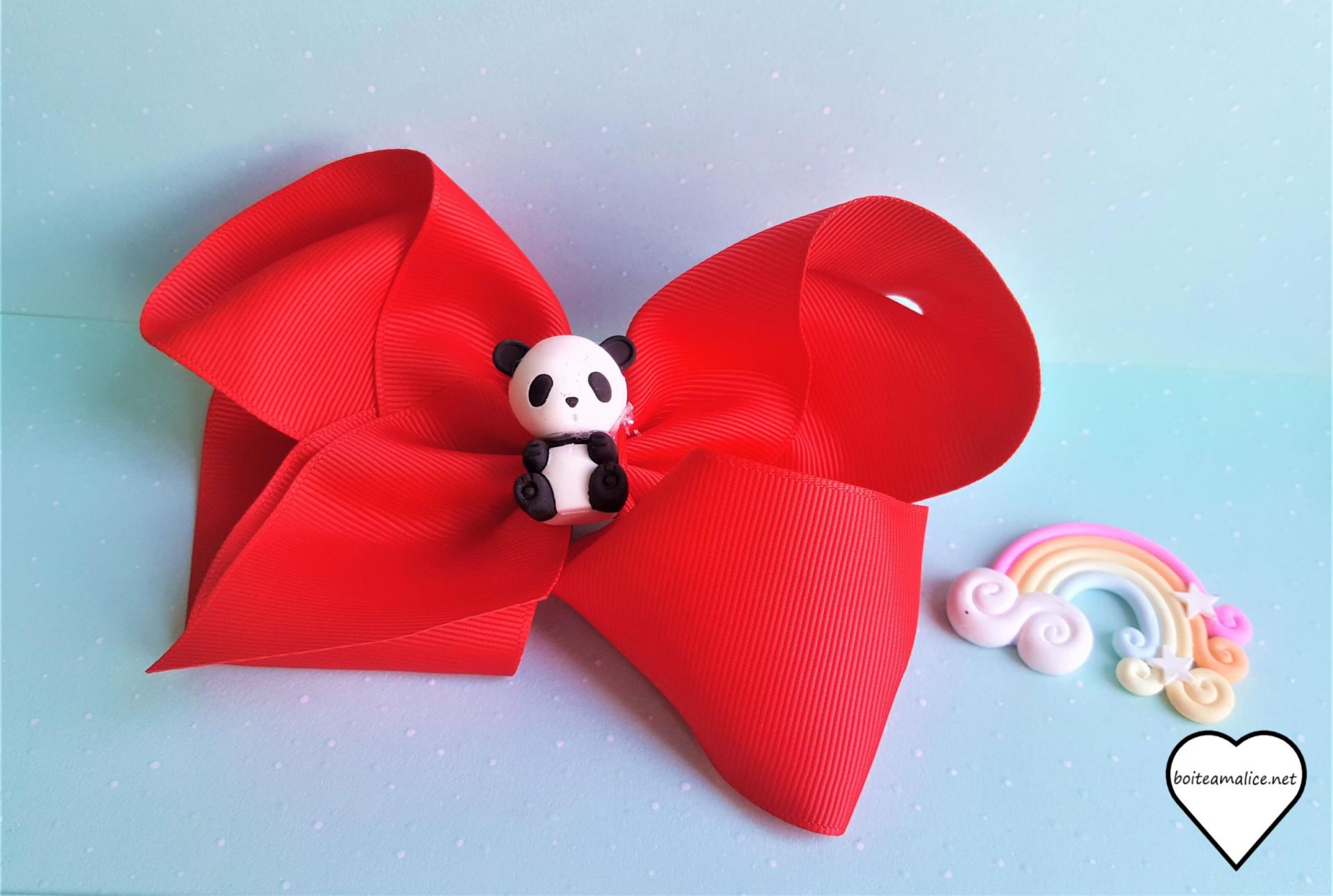 Barrette panda kawaii noeud rouge