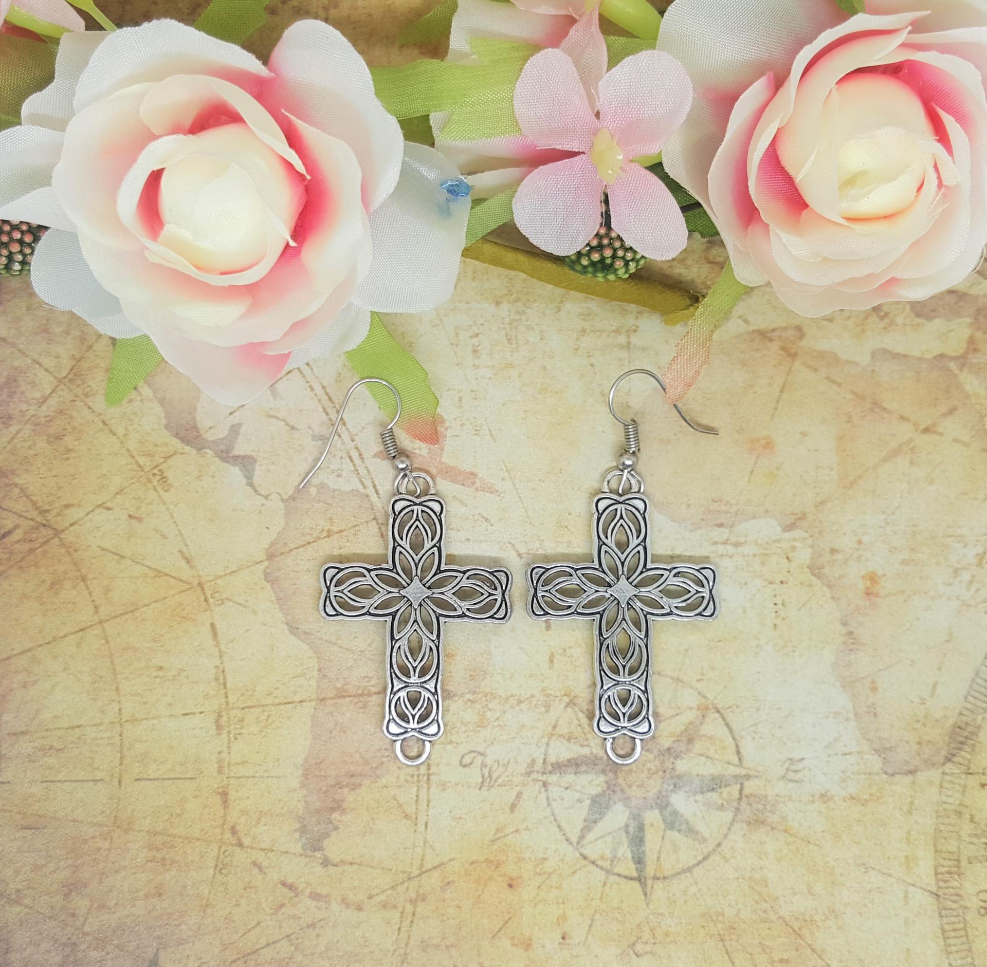 Boucle d oreille croix 2