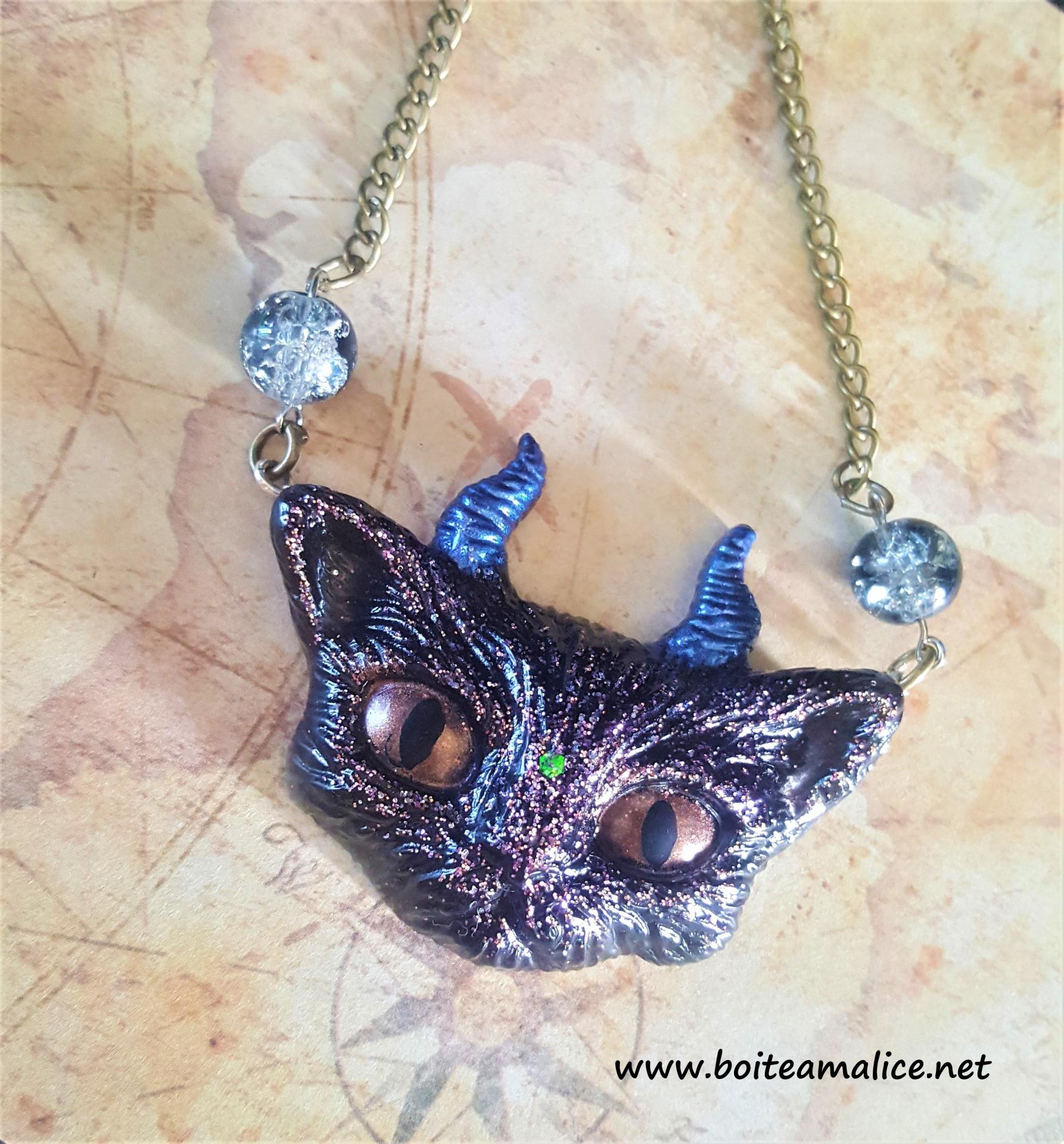Collier chat gothique