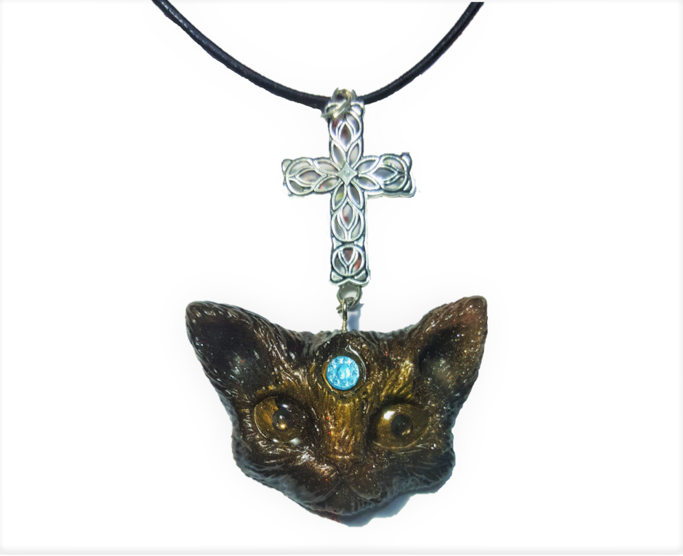 Collier chat pendentif chat resine