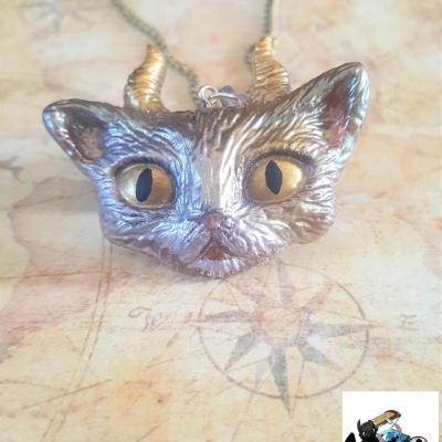 Collier evil cat resine