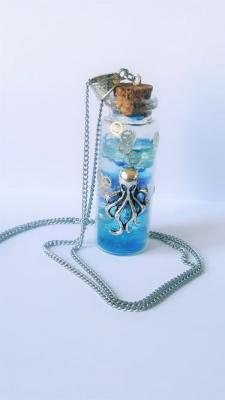 Collier octopus fiole decoration