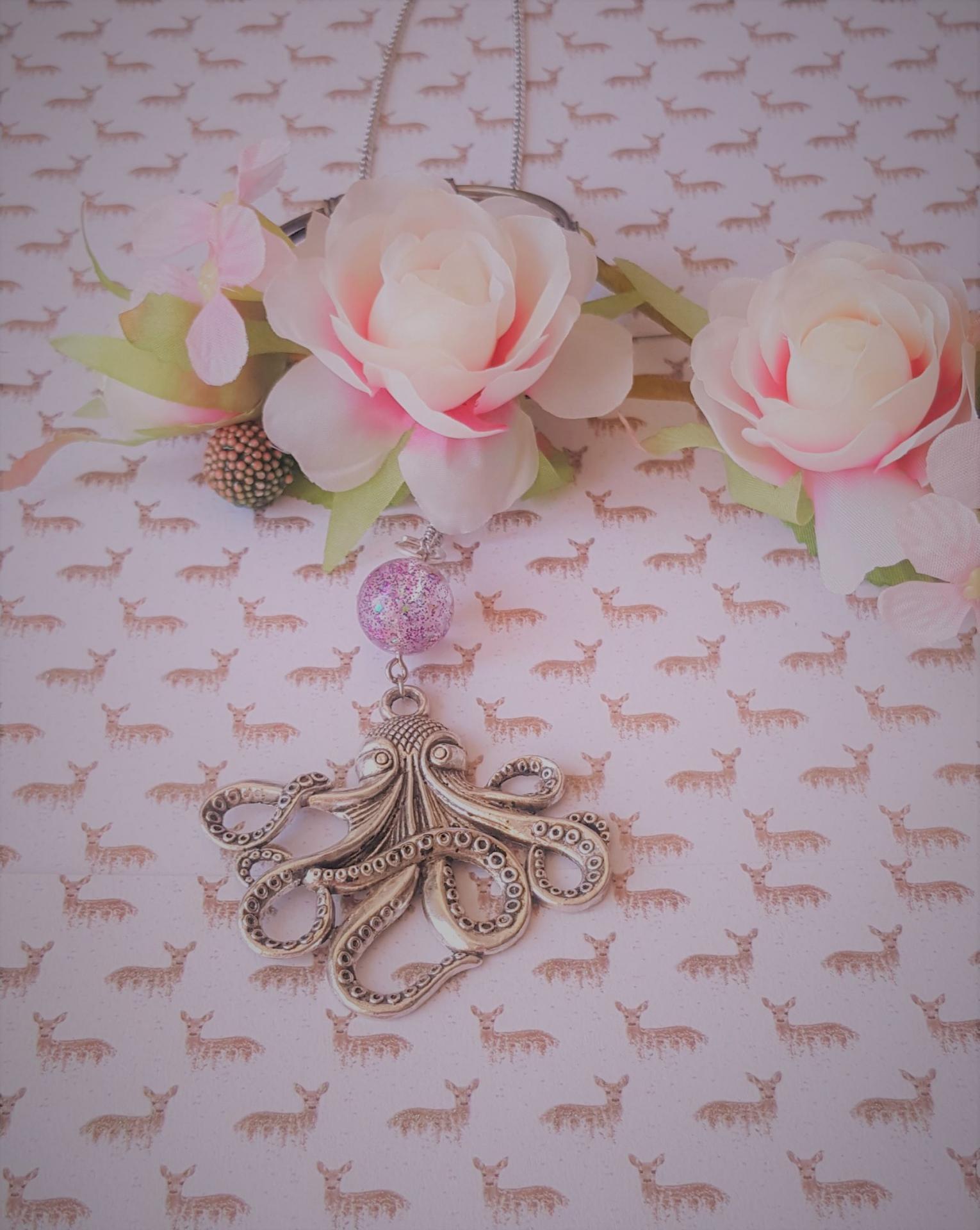 Collier pieuvre rose