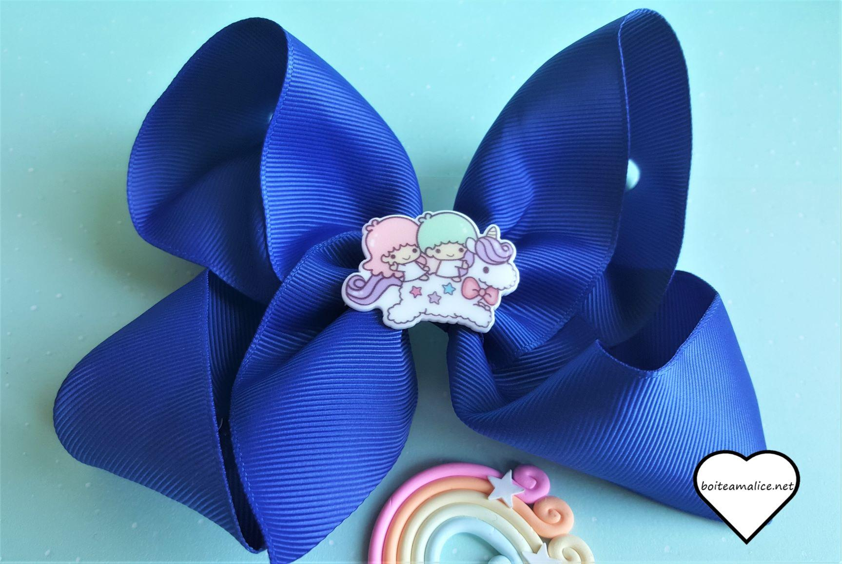 Gros noeud bleu