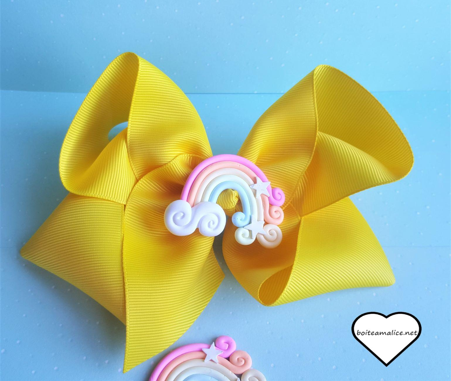 Gros noeud cute arc en ciel jaune