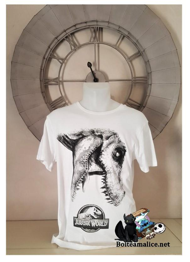 Tshirt jurassic world 1