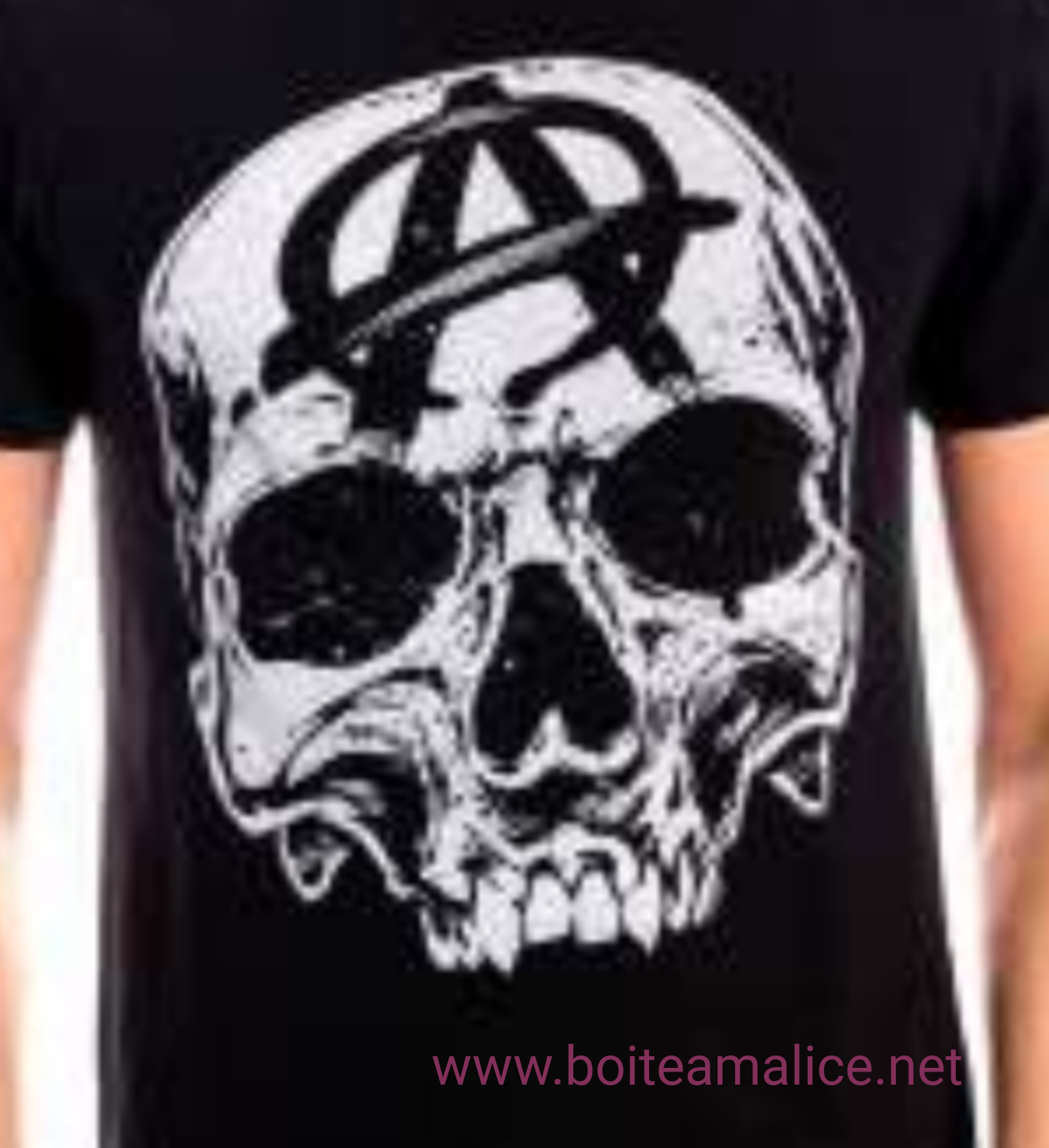 Tshirt soa big skull head